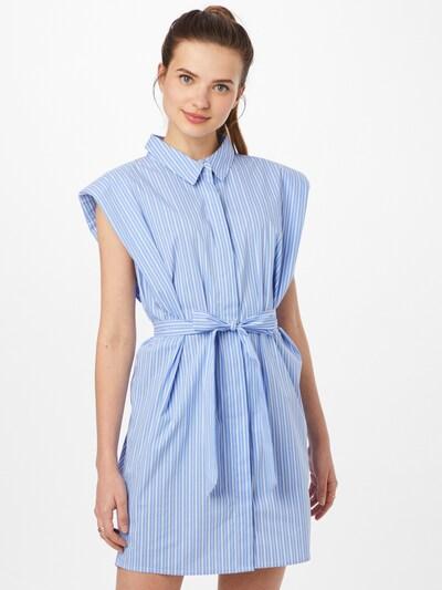 Rochie tip bluză Bardot pe albastru deschis / alb, Vizualizare model