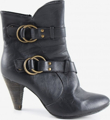 sacha Dress Boots in 39 in Black
