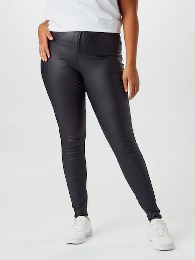 Vero Moda Curve Hlače u crna, Prikaz modela