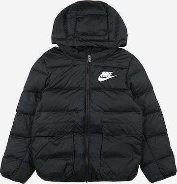 Nike Sportswear Välikausitakki värissä musta