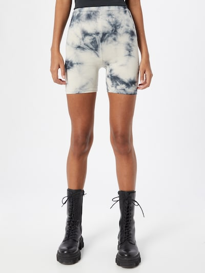 Trendyol Shorts in schwarz / weiß, Modelansicht