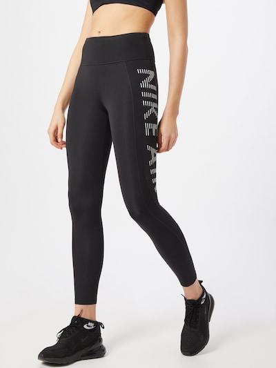 Nike Sportswear Hose 'Epic Fast' in schwarz / weiß, Modelansicht