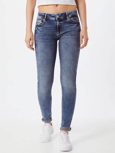 Q/S by s.Oliver Jeans in blue denim, Modelansicht