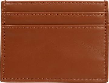 ABOUT YOU Plånbok 'Arthur' i brun