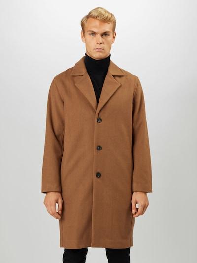 minimum Prijelazni kaput 'Benoy' u karamela, Prikaz modela