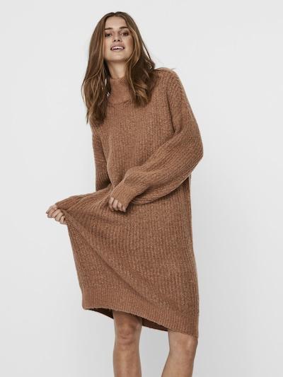 Rochie tricotat Noisy may pe maro caramel, Vizualizare model