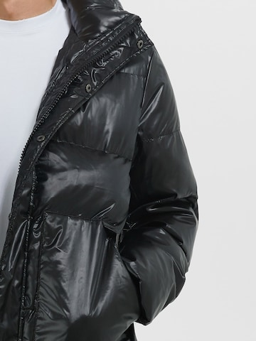Young Poets Society Vinterjakke 'Mika' i svart