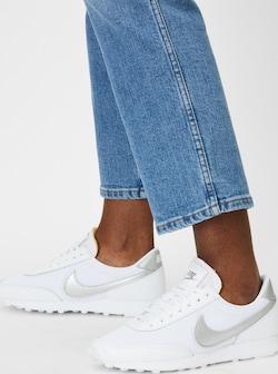 Nike Sportswear tenisky 'Daybreak' v bílé barvě se stříbrnými detaily