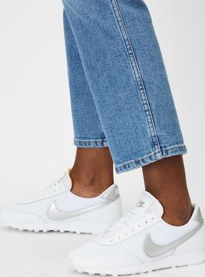Nike Sportswear Sneaker 'Daybreak' in silber / weiß