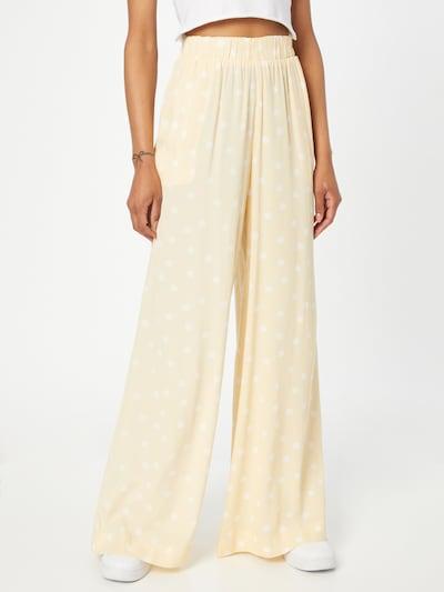 Pimkie Hose in pastellorange / weiß, Modelansicht
