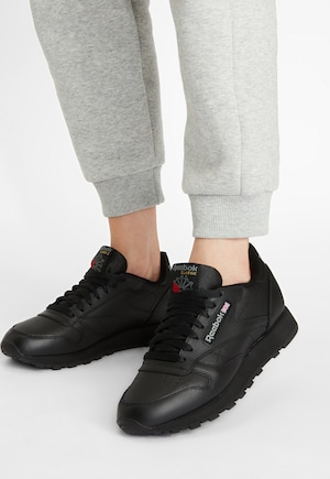 Reebok Classic Sneaker in nero