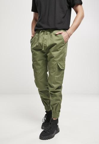 Urban Classics Cargo Pants in Green