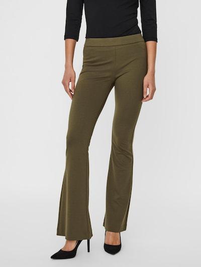 VERO MODA Pantalon 'Kamma' en vert foncé, Vue avec modèle