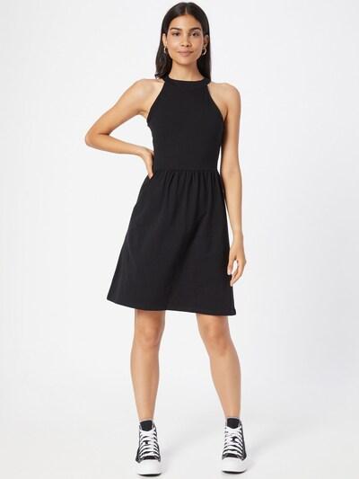 Rochie 'LAMBER' ONLY pe negru, Vizualizare model