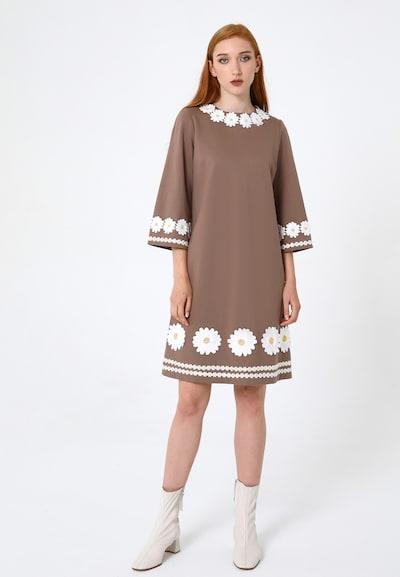 Madam-T Kleid 'Melanica' in beige, Modelansicht