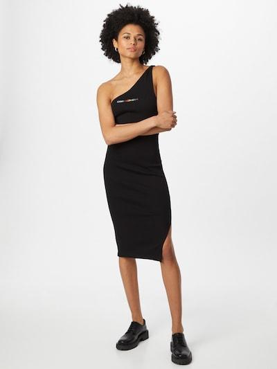 Rochie 'PRIDE' Calvin Klein Jeans pe negru, Vizualizare model