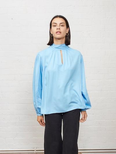 Aligne Bluse 'Ella' in hellblau, Modelansicht