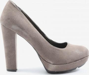 MUSTANG High Heels & Pumps in 39 in Grey