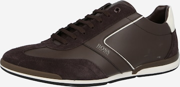 brūns BOSS Casual Sporta apavi ar šņorēm 'Saturn'