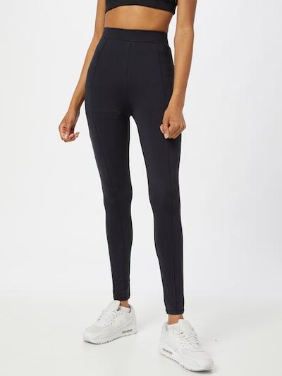 NU-IN Sporthose in schwarz, Modelansicht