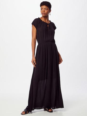 ESPRIT Рокля тип риза в черно