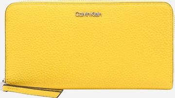 Calvin Klein Geldbörse in Gelb