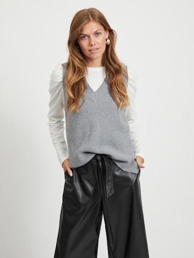 VILA Strickweste 'Ril' in grau, Modelansicht