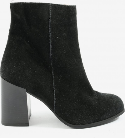 Urban Outfitters Dress Boots in 38 in Black, Item view