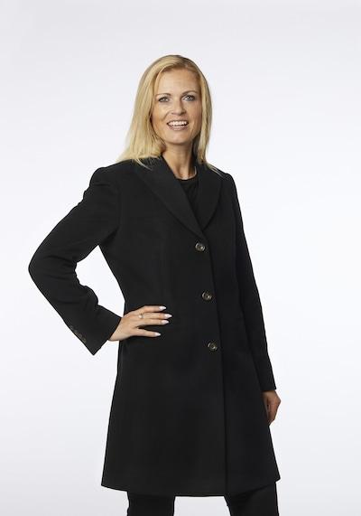 Danwear Wintermantel 'Vivi' in schwarz, Modelansicht