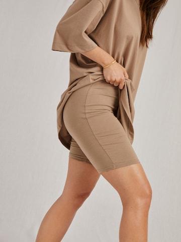 A LOT LESS Shorts 'Caja' in Beige