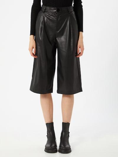 Pantaloni 'Jenn' Hailys pe negru, Vizualizare model