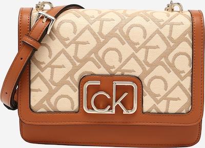 Rankinė su ilgu dirželiu iš Calvin Klein , spalva - kremo / tamsi smėlio / ruda (konjako), Prekių apžvalga