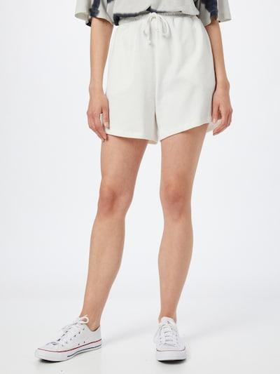 Cotton On Pantalon 'CLUBHOUSE' en blanc, Vue avec modèle
