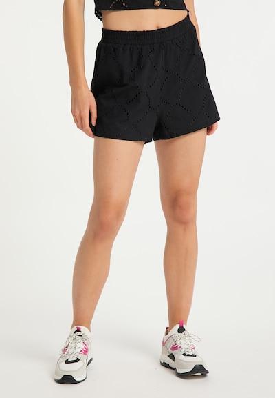 MYMO Shorts in schwarz, Modelansicht