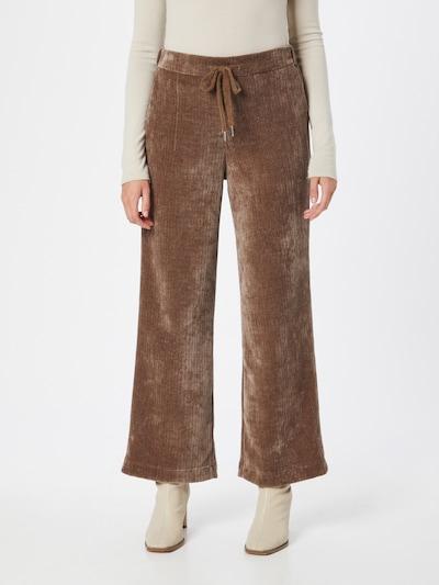 Cream Hose 'Rie' en marron, Vue avec modèle