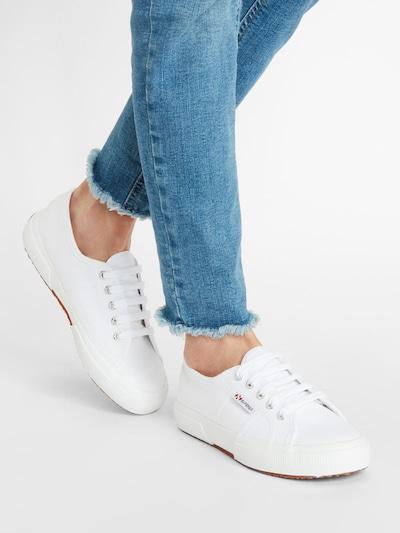 Sneaker bassa SUPERGA di colore bianco: Vista frontale
