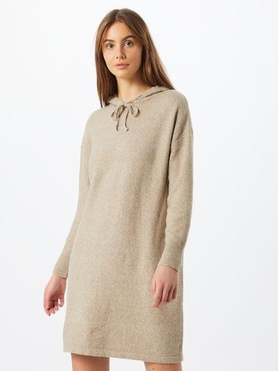 VERO MODA Stickad klänning 'Doffy' i cappuccino, På modell