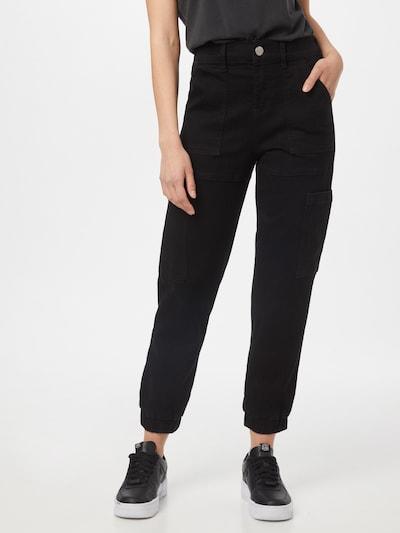 GLAMOROUS Jeans i svart denim, På modell