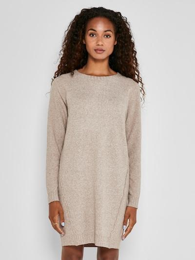 Noisy may Gebreide jurk 'Ian' in de kleur Sand, Modelweergave