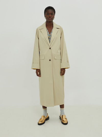 EDITED Trenchcoat 'Luna' in beige, Modelansicht
