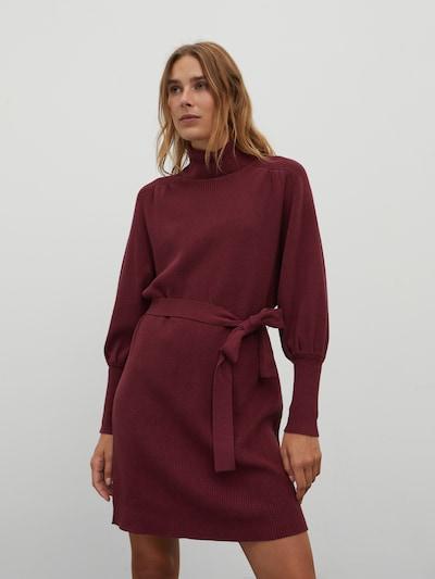 EDITED Gebreide jurk 'Malene' in de kleur Bourgogne, Modelweergave