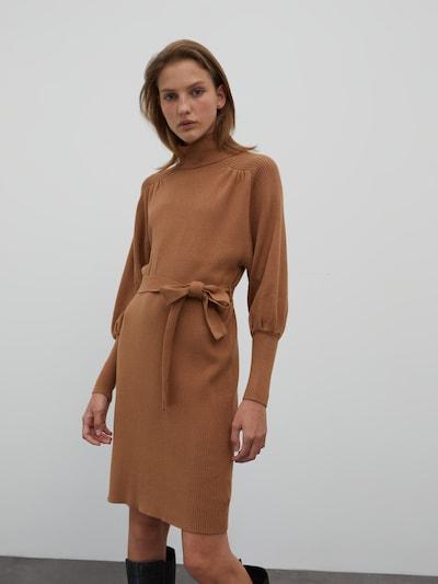 EDITED Úpletové šaty 'Malene' - hnědá, Model/ka