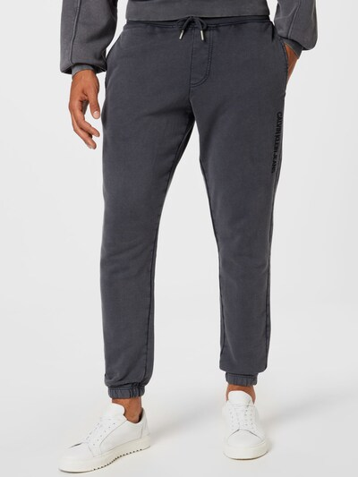 Calvin Klein Jeans Nohavice - tmavosivá / čierna, Model/-ka
