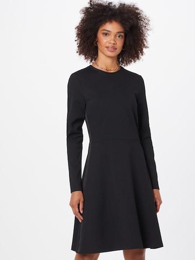 Rochie Calvin Klein pe negru, Vizualizare model