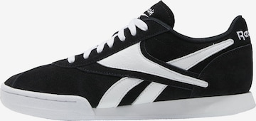 Reebok Classics Sneakers in Black
