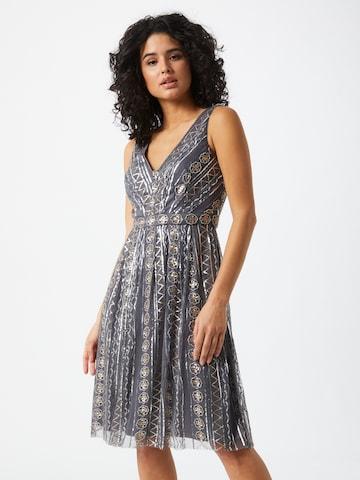 STAR NIGHT Kokteilové šaty - Sivá