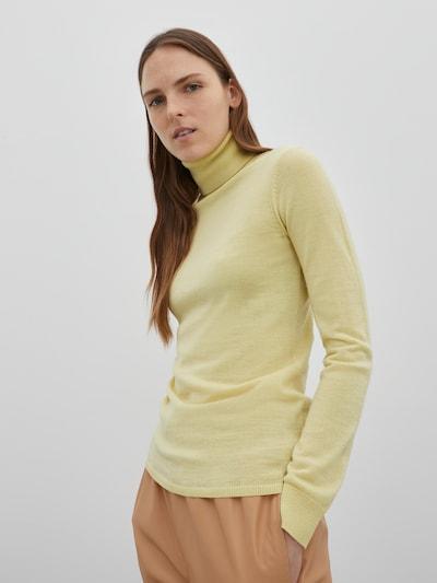 Pulover 'Dominique ' EDITED pe galben, Vizualizare model