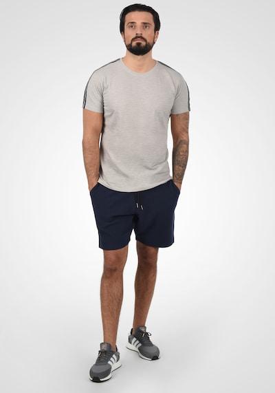 BLEND Sweatshorts 'Folko' in blau, Modelansicht