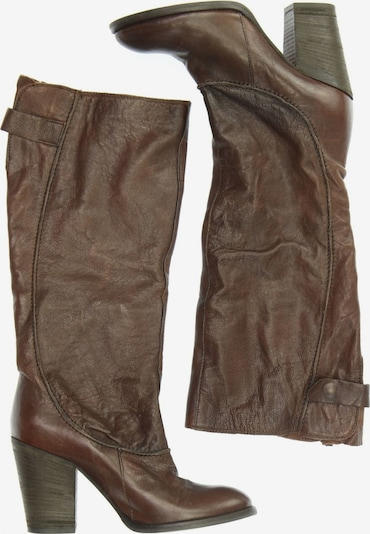 Bata Dress Boots in 38 in Chocolate, Item view