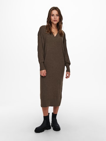 Robes en maille 'Tessa' ONLY en marron